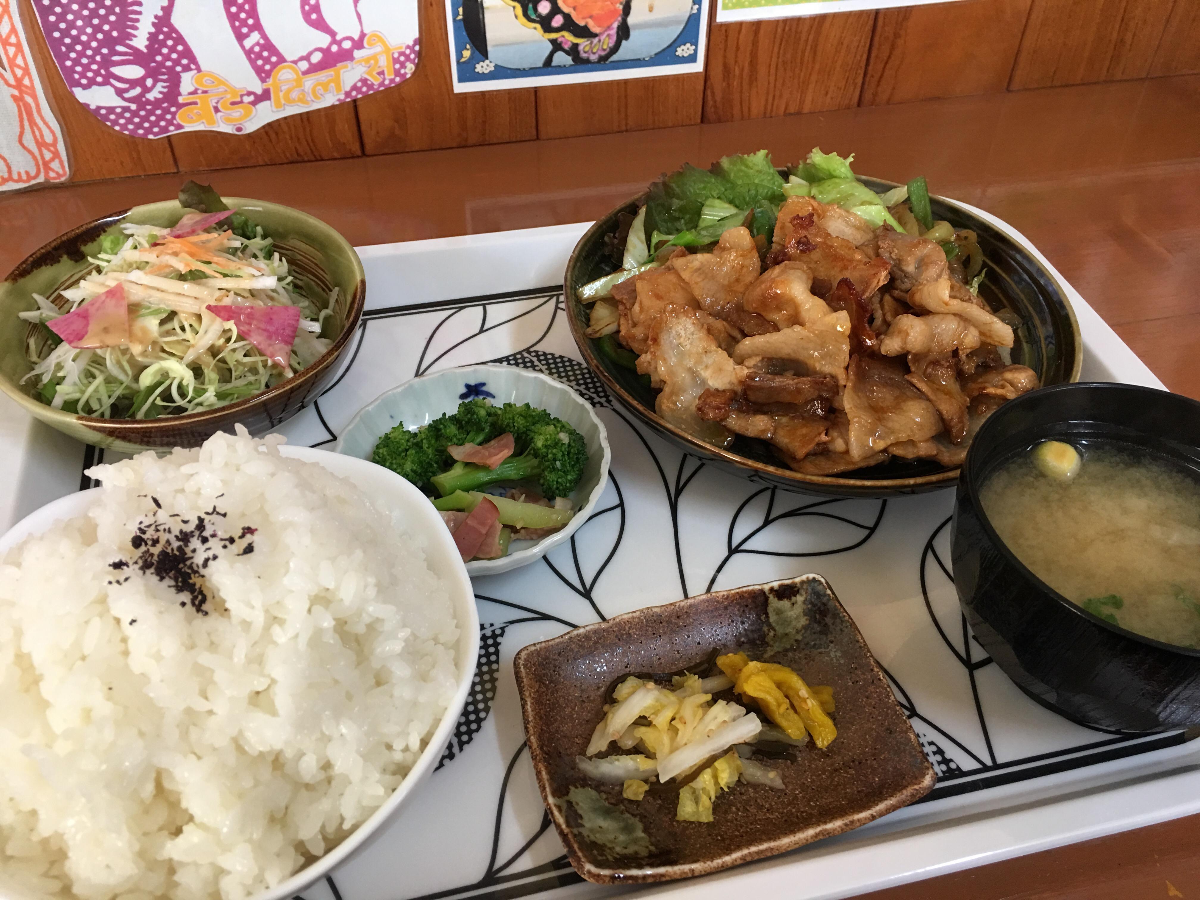 """日替わり定食もおすすめ!JR春賀駅近くの""""おうち""""ごはん「おりおん」"""