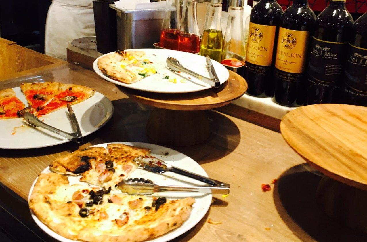 90分1,300円でピザ食べ放題!?ランチブッフェがおすすめ「SALVATORE CUOMO & BAR」に行ってきました!