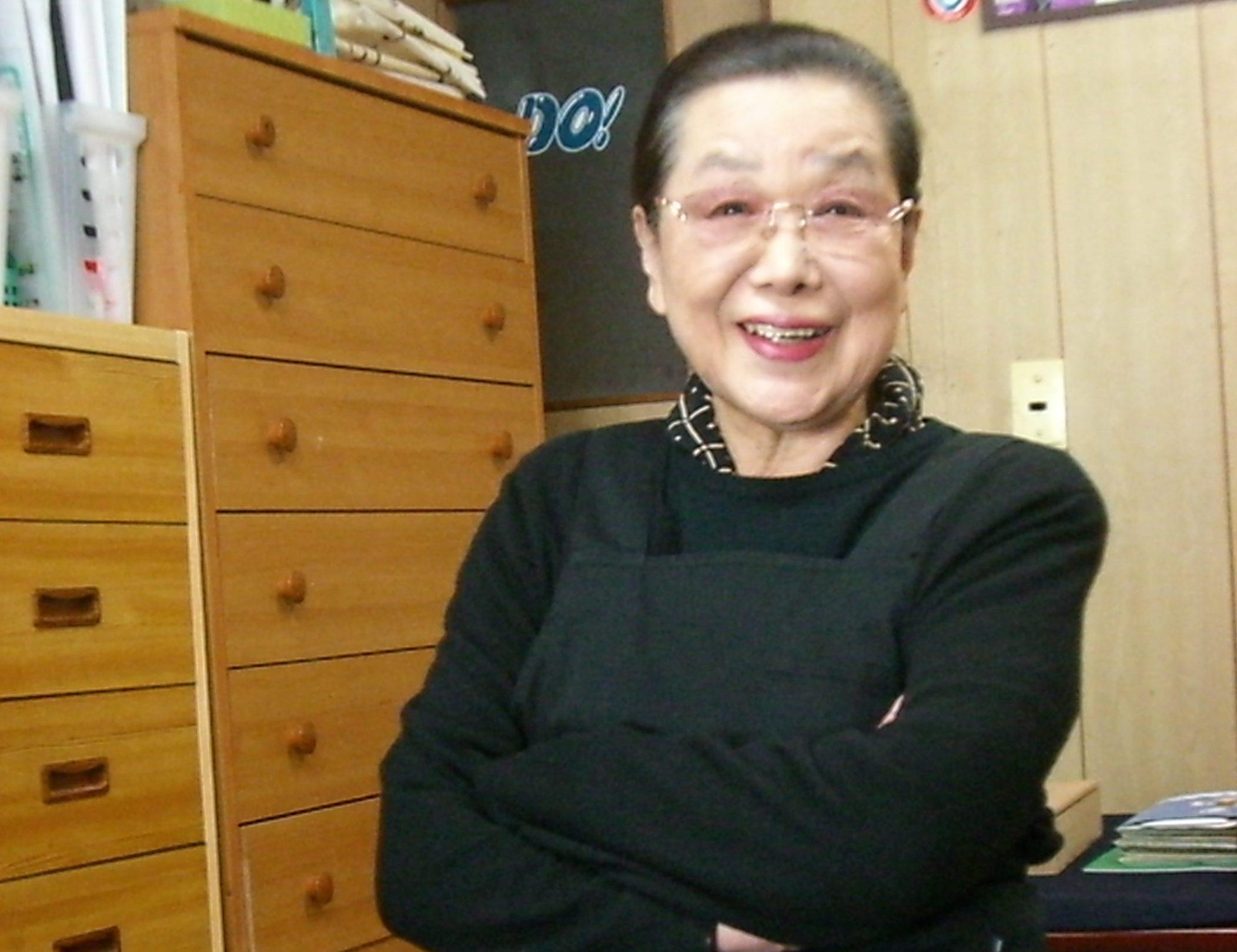 「生徒たちの書の上達を見守るのが何よりの楽しみ」井上綾女さん