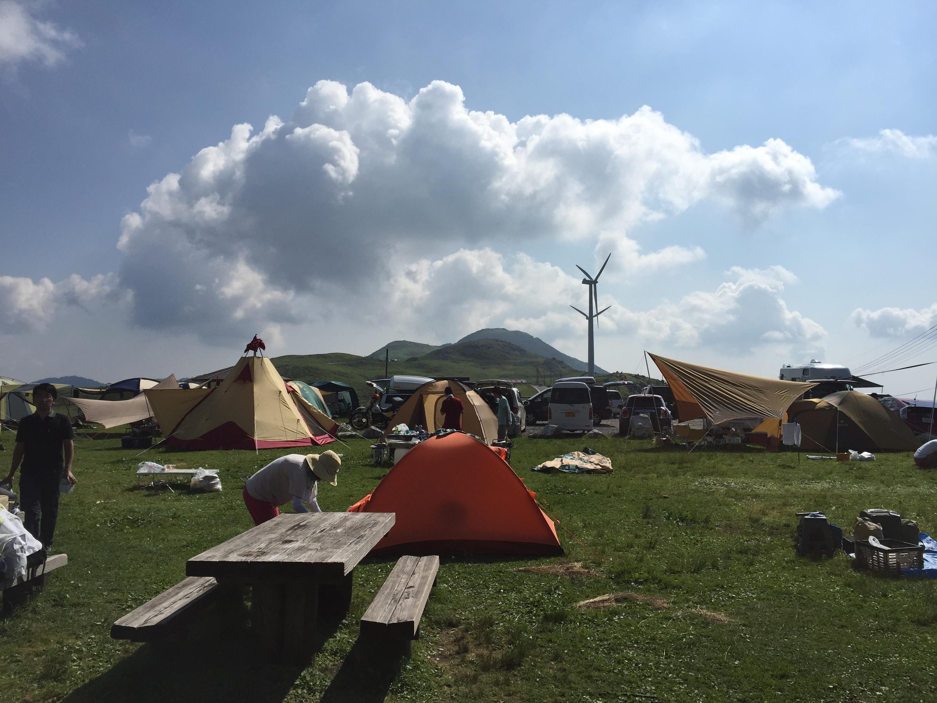 夏がやってきた!今年の夏は四国カルストで草原・星空キャンプに挑戦してみませんか!?