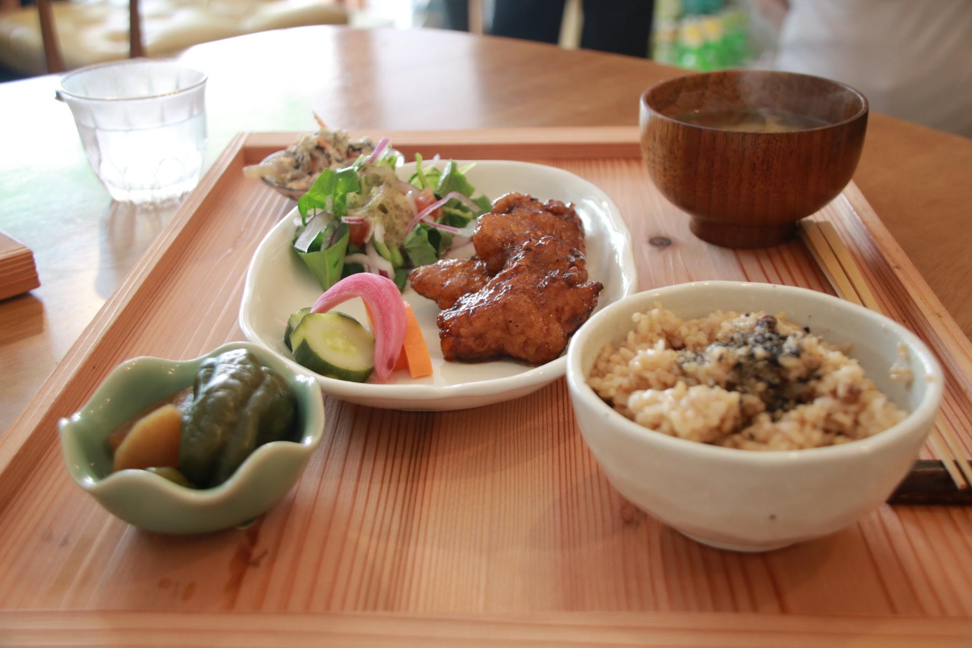 松山市三津浜地区にオープン!体が喜ぶ健康ランチが食べられる「自然派食堂vegetable」に初潜入してきました!