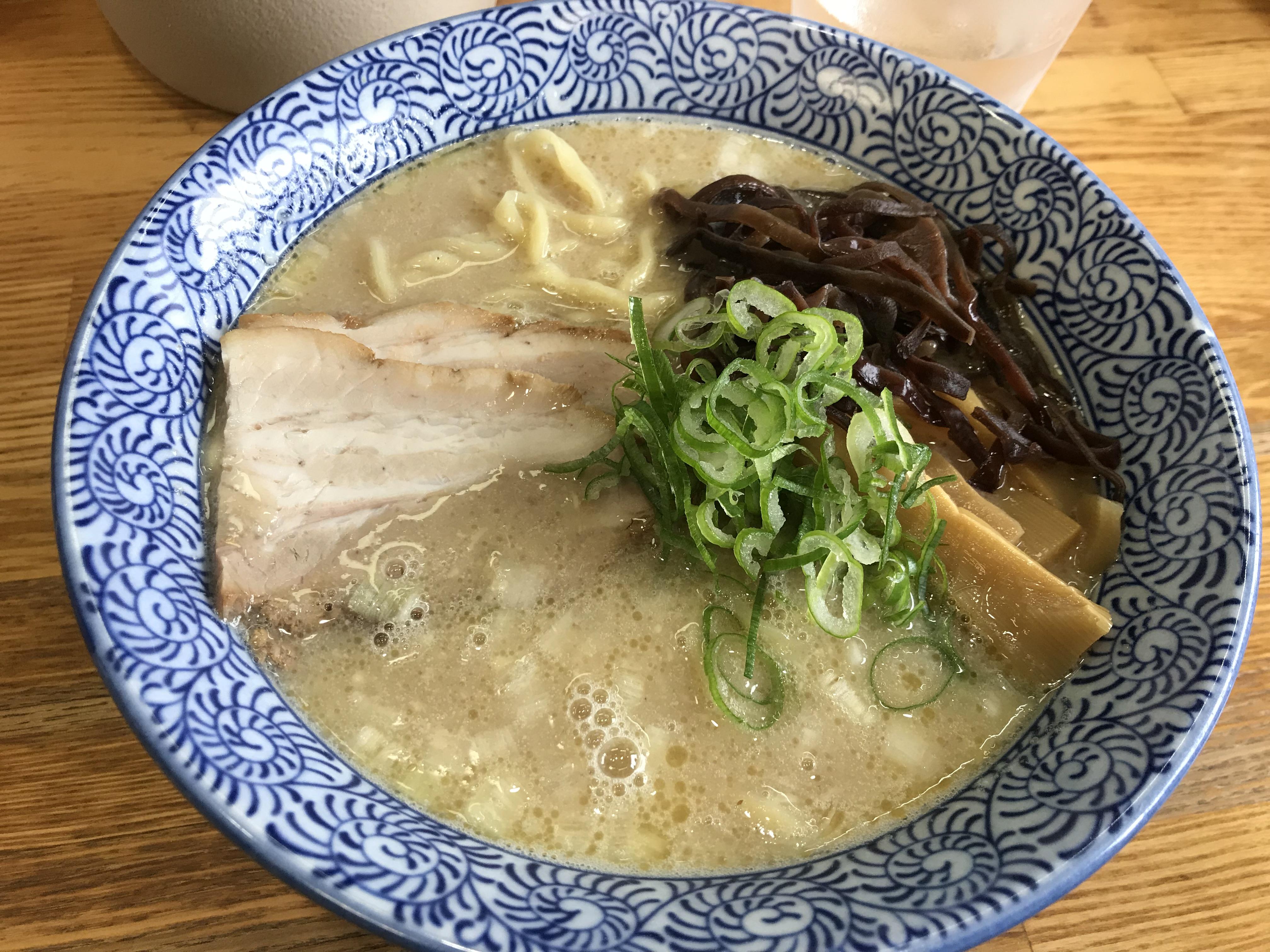 田舎とあなどるなかれ!四国中央市土居町にある「ひかり食堂」の「鶏塩そば」がうまい!