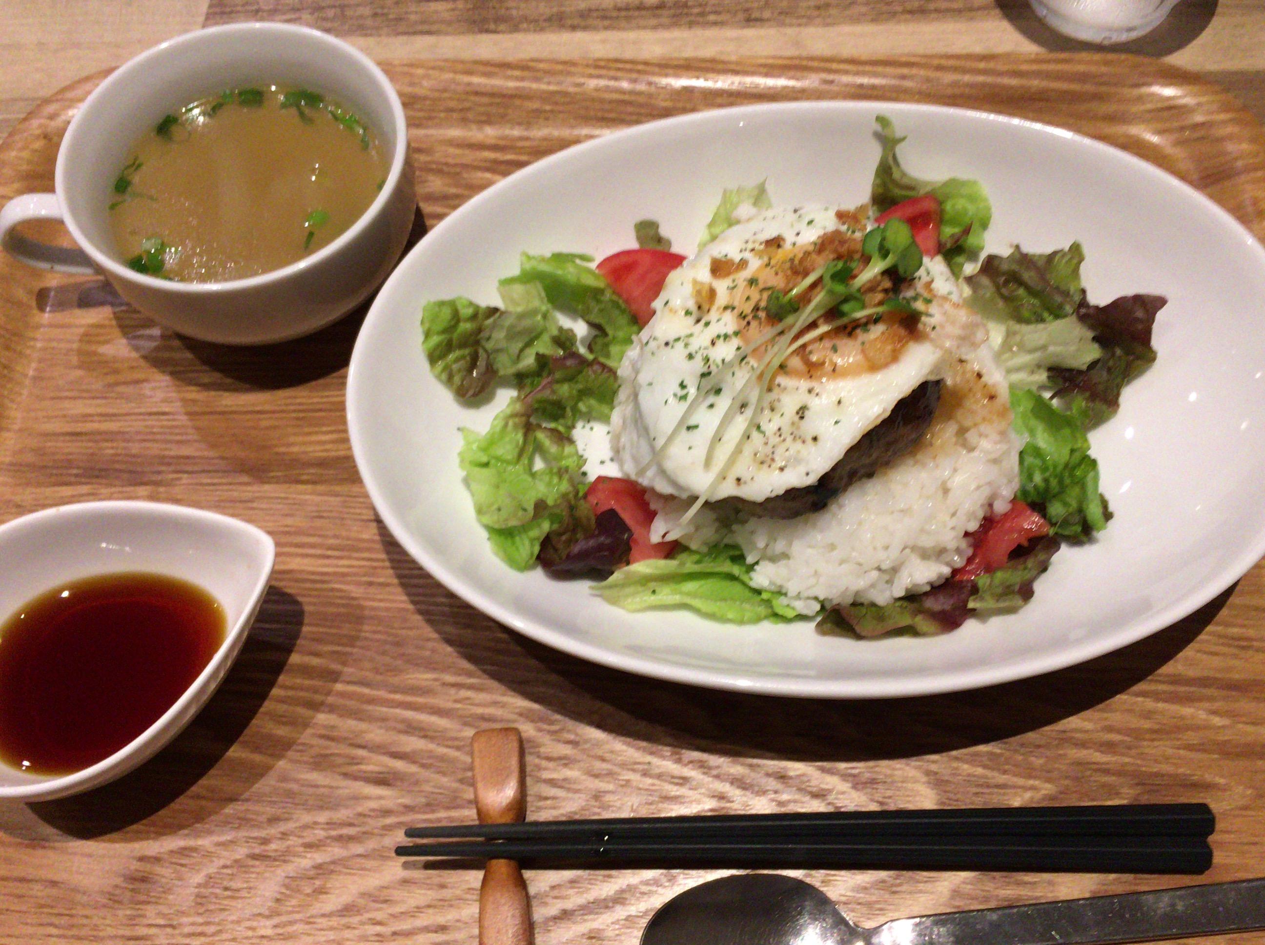 おしゃれな若者必見!西条市にある「HOKULANI cafe」(ホクラニカフェ)で「ロコモコ」を食べてきました!