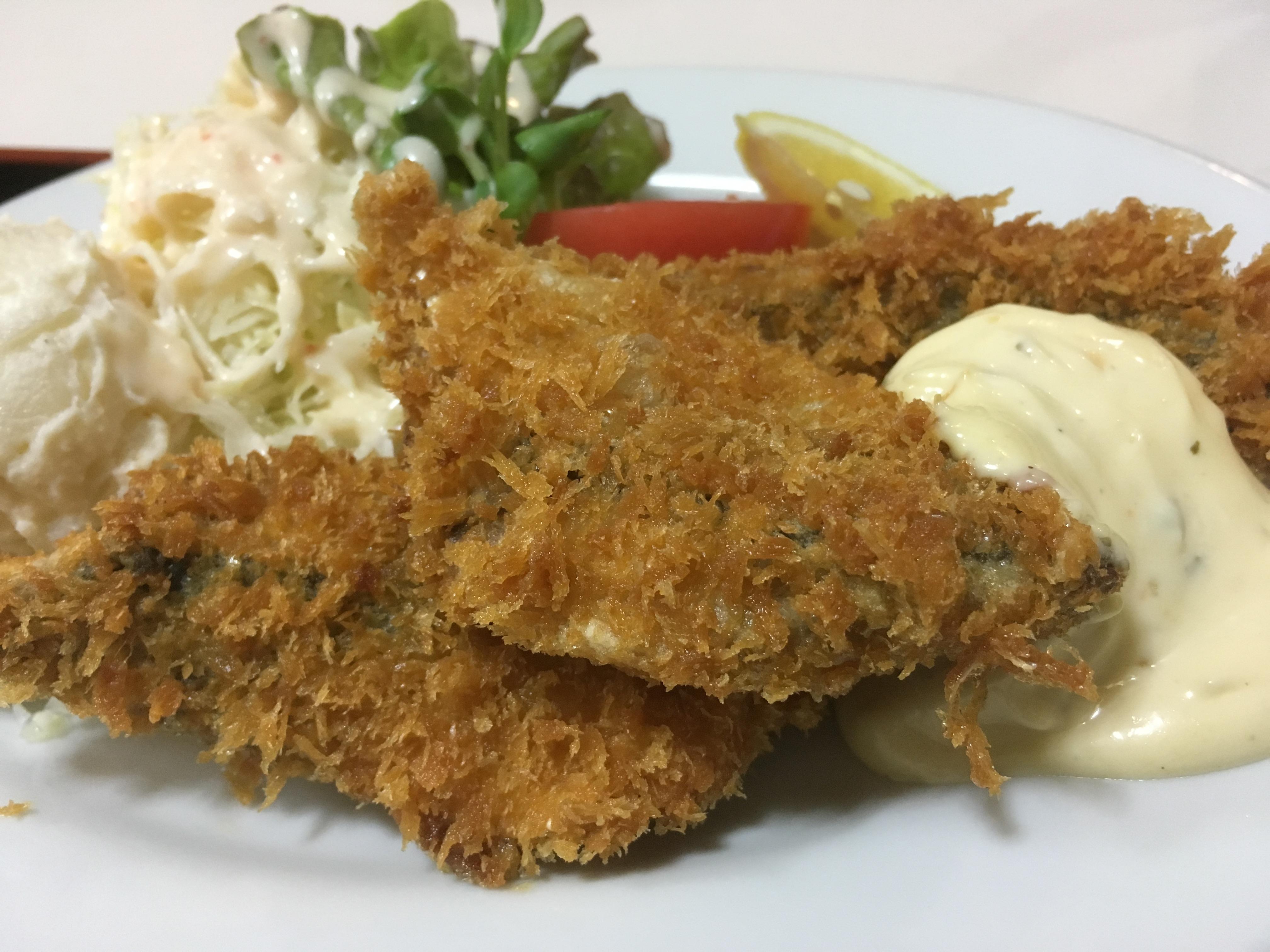ちゃんぽんだけじゃない!地元のとれたて魚の「魚フライ定食」を「三和食堂」で食べてきました!