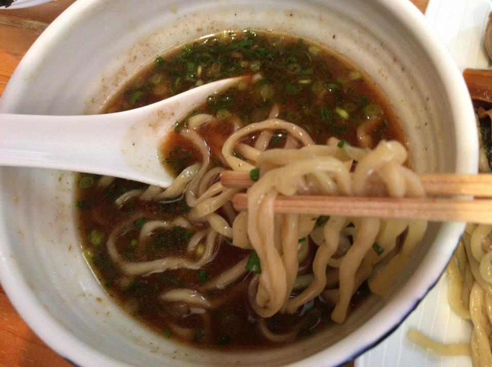 至高のスープここにあり!ミシュランが選ぶ新居浜市にある「濃厚魚介らぅ麺 純」の「つけ麺」が癖になる!