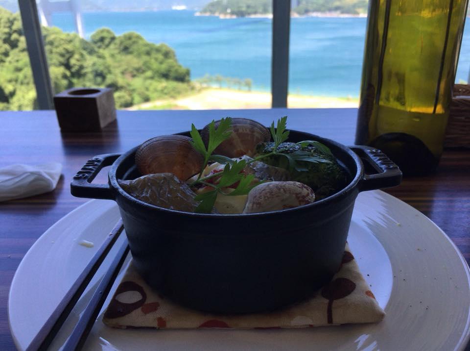 気分は地中海旅行!?美しい景色を眺めながら食べる「風のレストラン」のランチが控え目に言って最高!