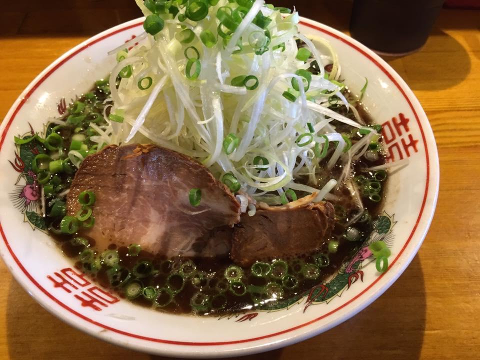 愛媛が誇る屈指のラーメン店!松山市にある「水田商店」にてラーメン(黒)を食べてきました!