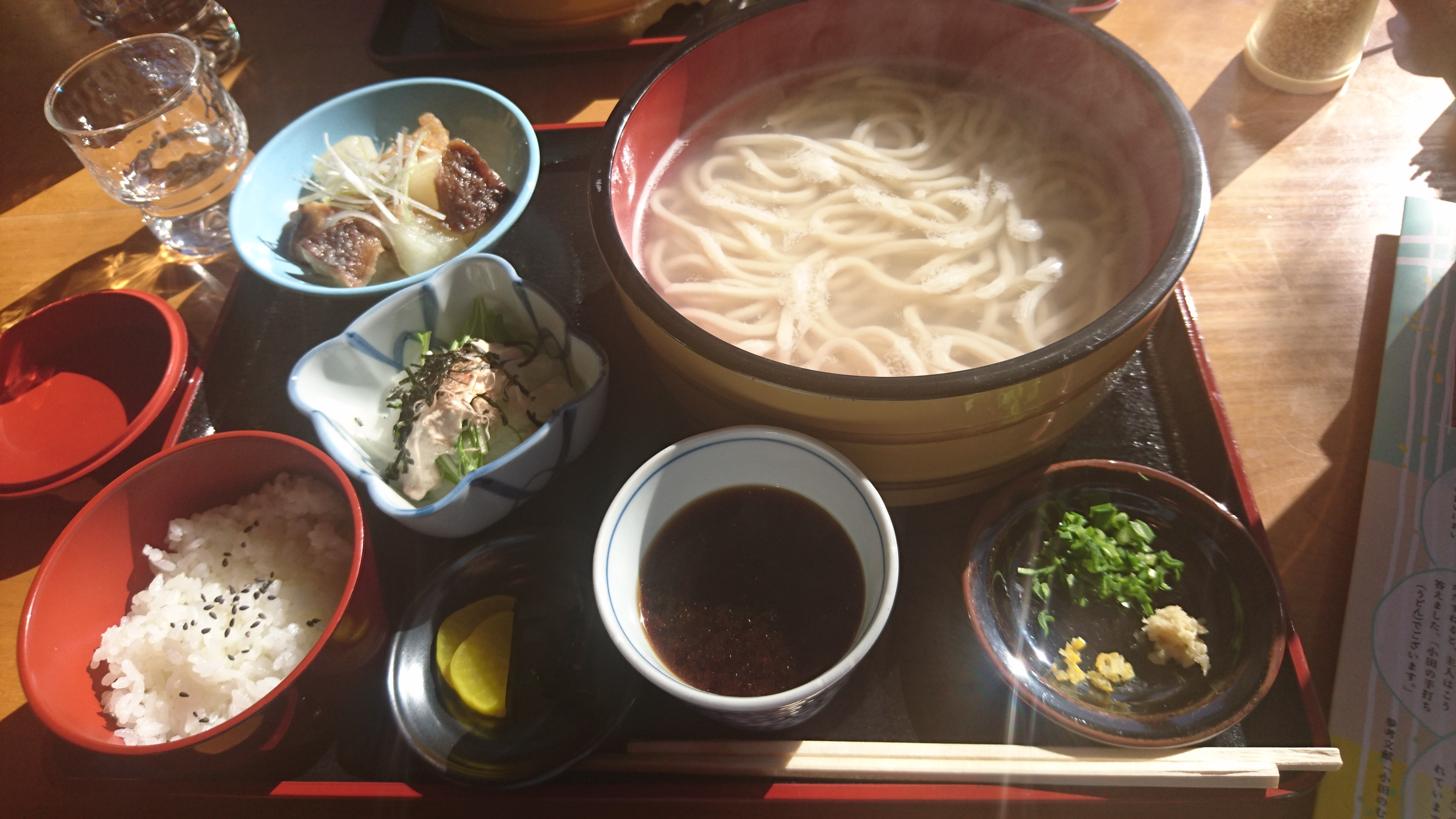 ボリューム満点!季節の風景を楽しめる内子町小田の「かじか亭」で「たらいうどん」を食べてきました!