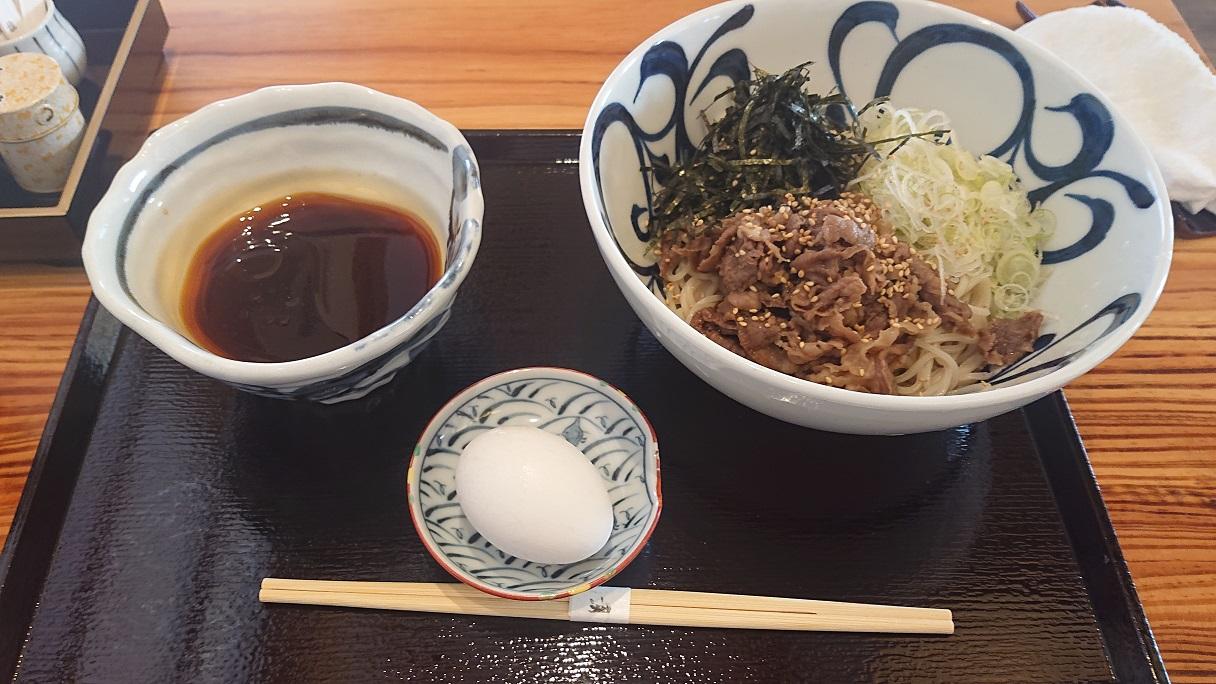 「大洲まちの駅あさもや」にある「分油屋」で、愛媛では珍しい食べ方の「辛肉つけそば」を食べてきたよ!