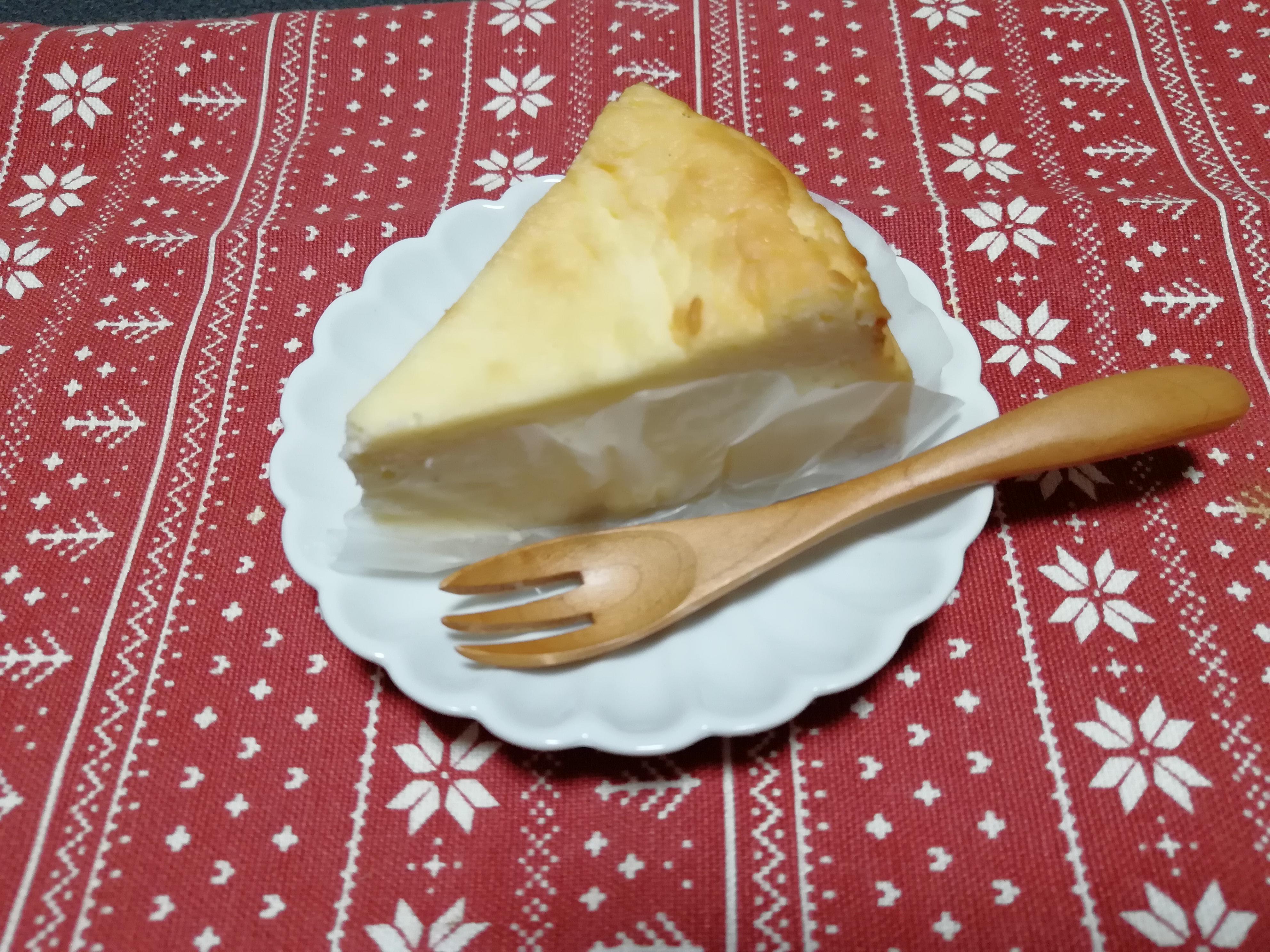 爽やかな味わいがクセになる!八幡浜の海が一望できる噂の「PARK SIDE BAKE」の「チーズケーキ」を食べてきたよ!