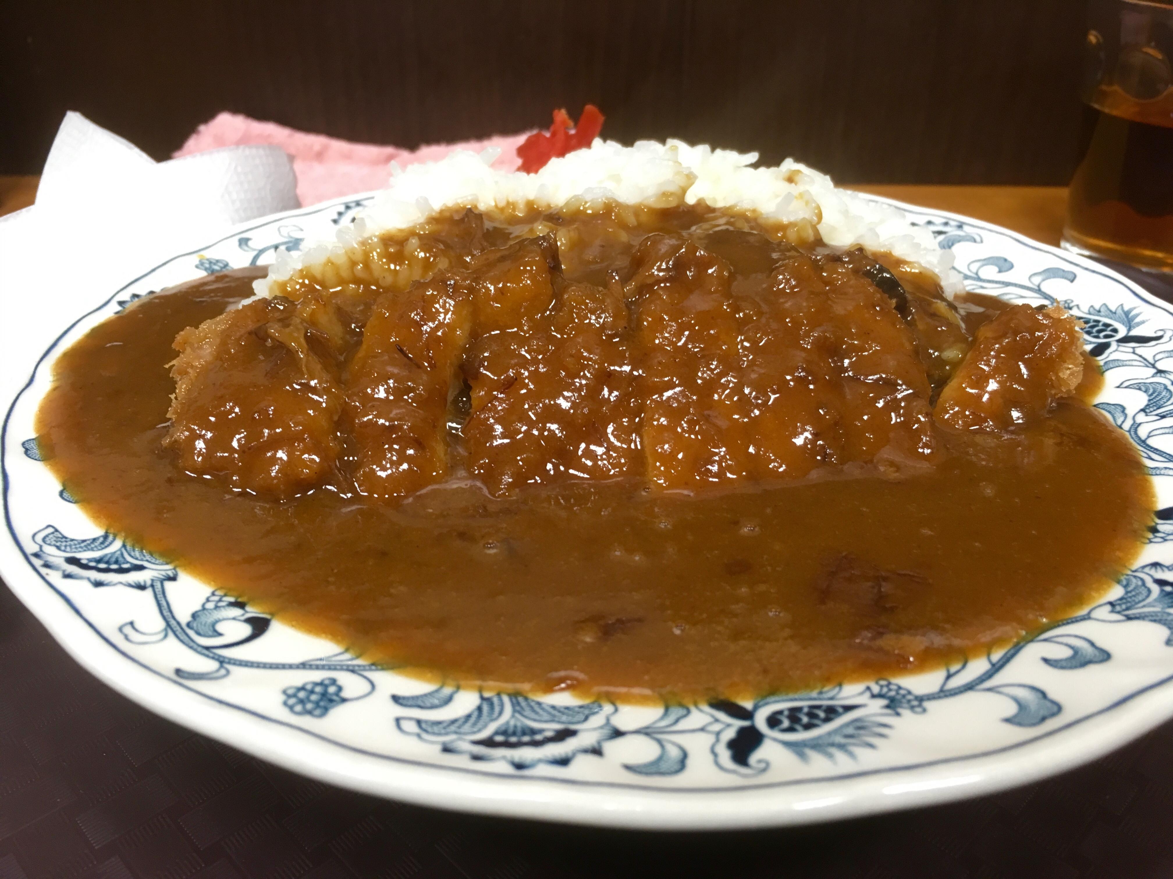 八幡浜商工会議所すぐ!ちゃんぽんが有名な「味楽」で今回は「カツカレー」を食べてきたよ!