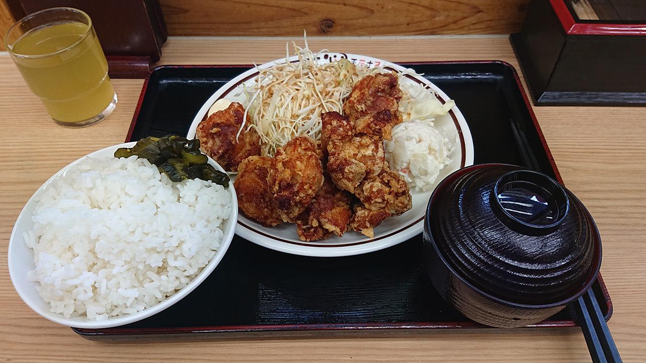 """大盛りは正義!愛媛県境にある高知道の馬立PAで""""ドカ盛り""""メニュー「大盛りからあげ定食」を食べてきた!"""