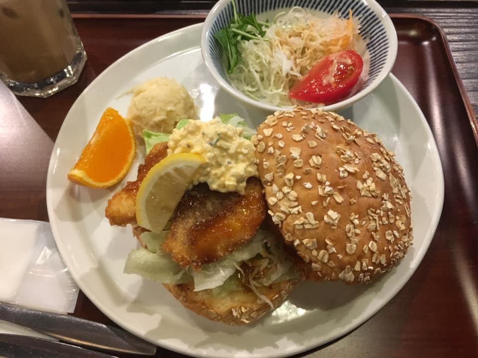 """""""ハンバーガー百名店""""にノミネート!松山が誇る名店「道後の町屋」で「瀬戸内鯛カツバーガー」を堪能してきました!"""