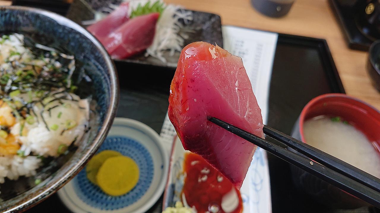 「びやびやかつお」を求めて 愛南町の「市場食堂」へ!深浦漁港でとれるかつてない贅沢な味と出会ってしまった!