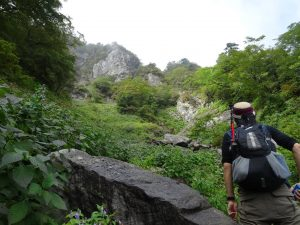 愛媛で登山を始めようとしている方へ!山選び・計画・服装等についてまとめてご紹介します!