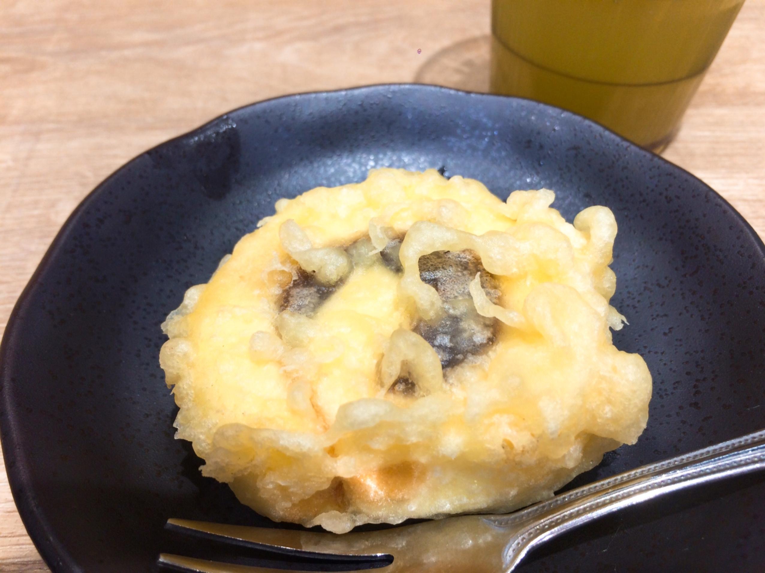 アレをかけたら美味しい!松山空港にある「CHEF'S KITCHEN」で新感覚の「一六タルトの天ぷら」を食べてきたよ!