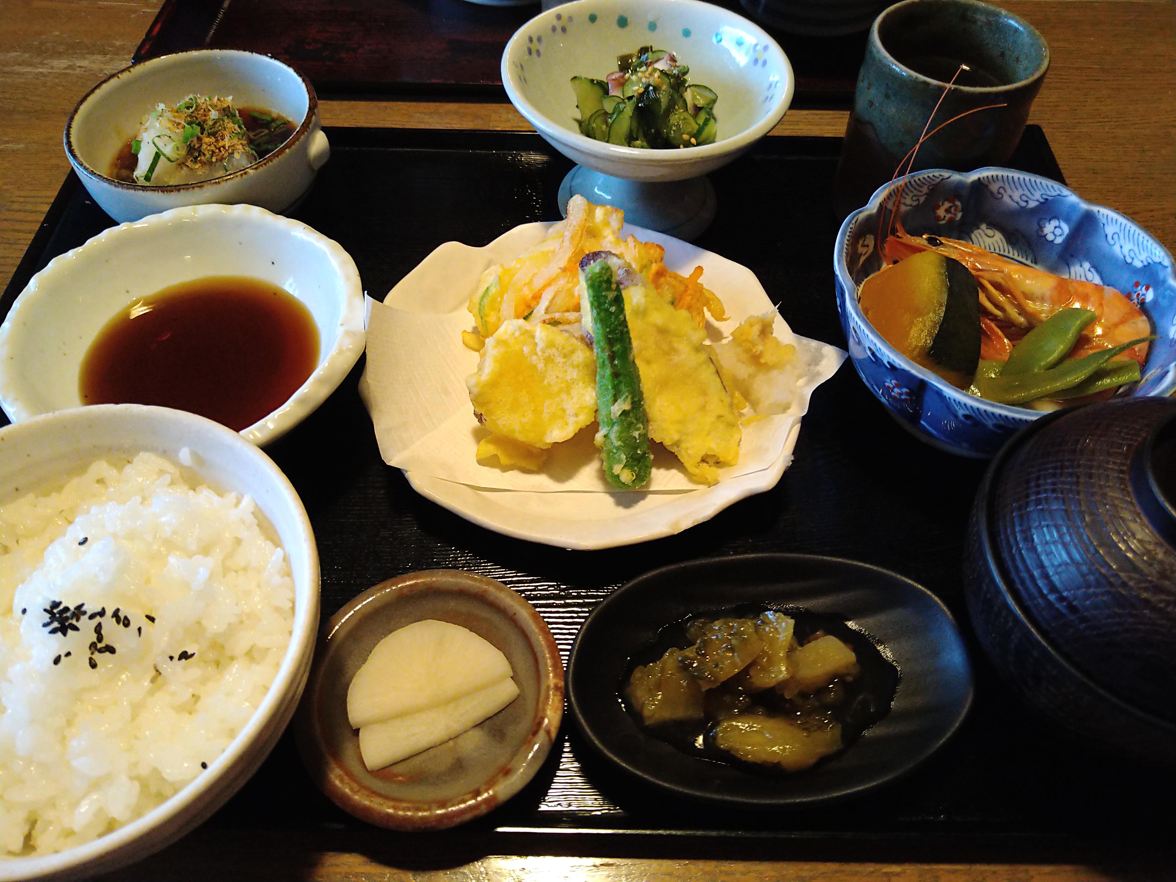 メニューが豊富!大洲市にある「穂の里」で「穂の里定食」を食べてきたよ!