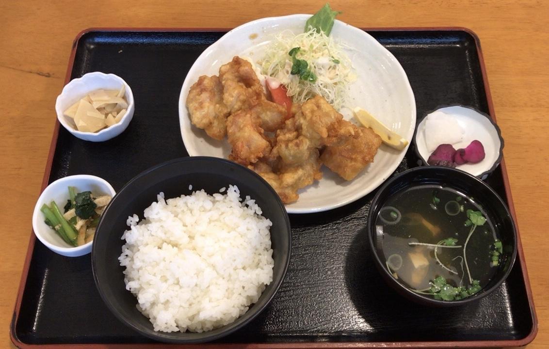 八幡浜市保内町でランチならここ!「食堂ごりらくん」で「からあげ定食」を食べてきたよ!