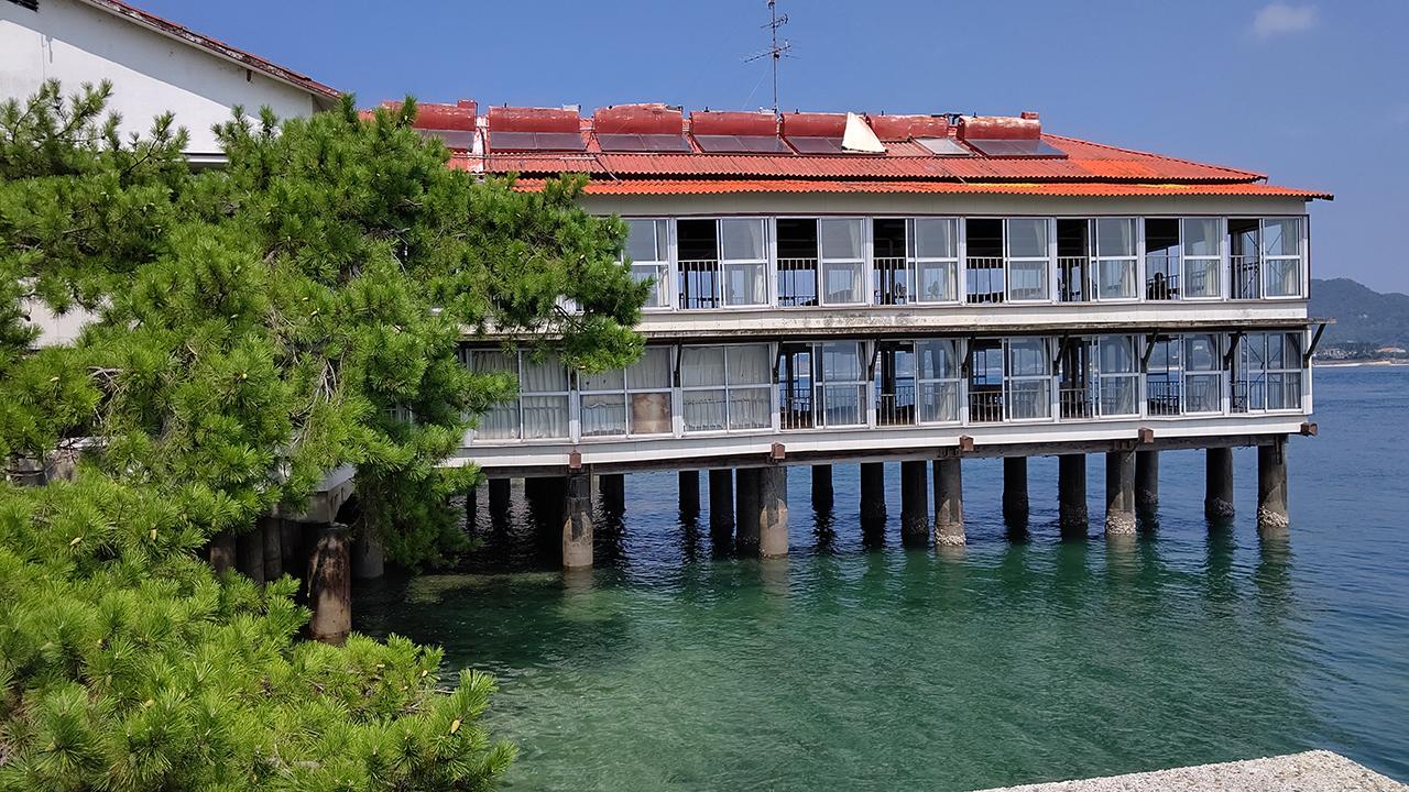 渡船で渡った松山市・鹿島で太田屋旅館の海上座敷で鯛めしを心ゆくまでいただく(その2)