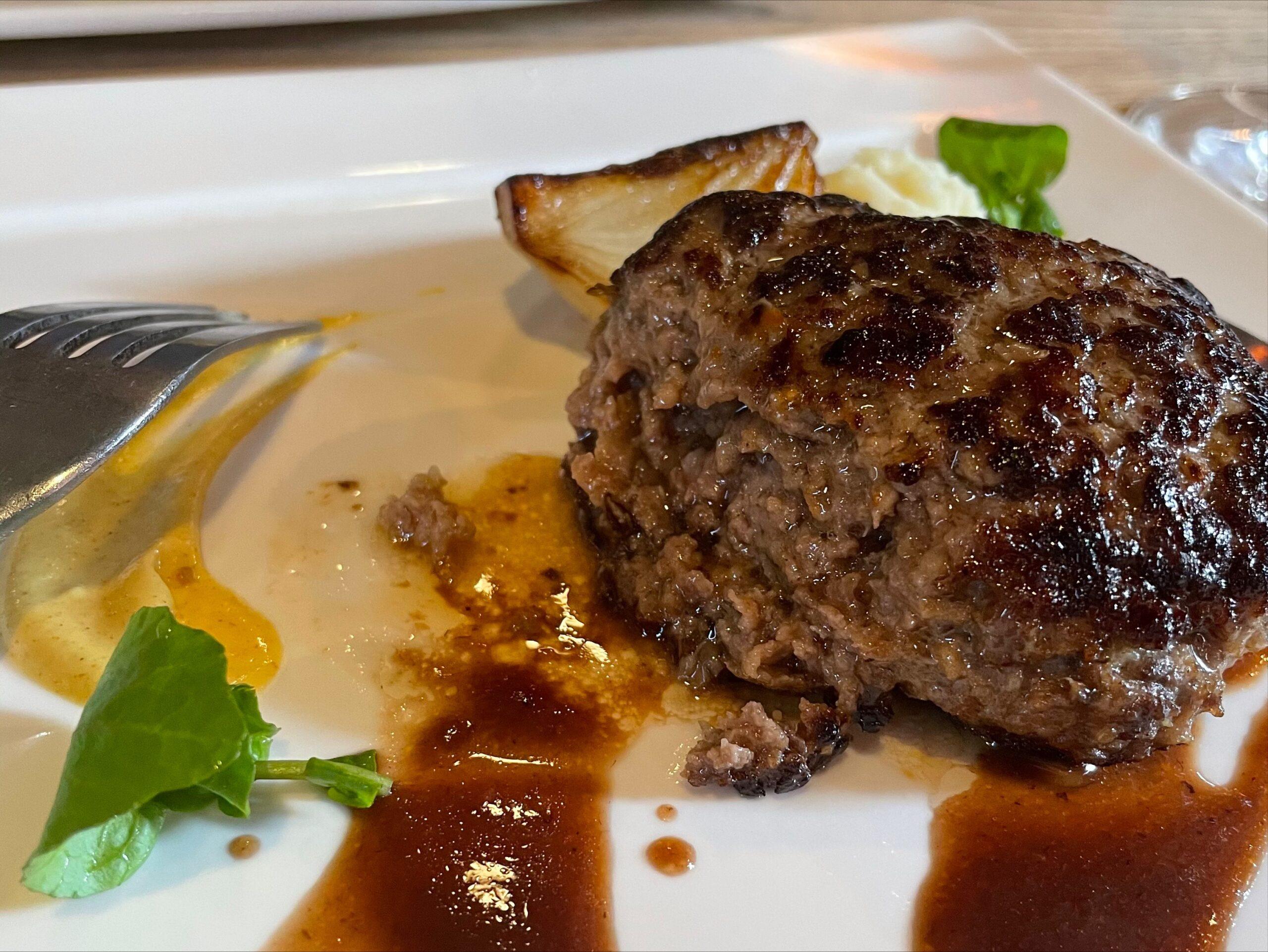 予約困難!?松山市にある「イルバンコ」で「100%国産牛ハンバーグランチコース」を食べてきました!