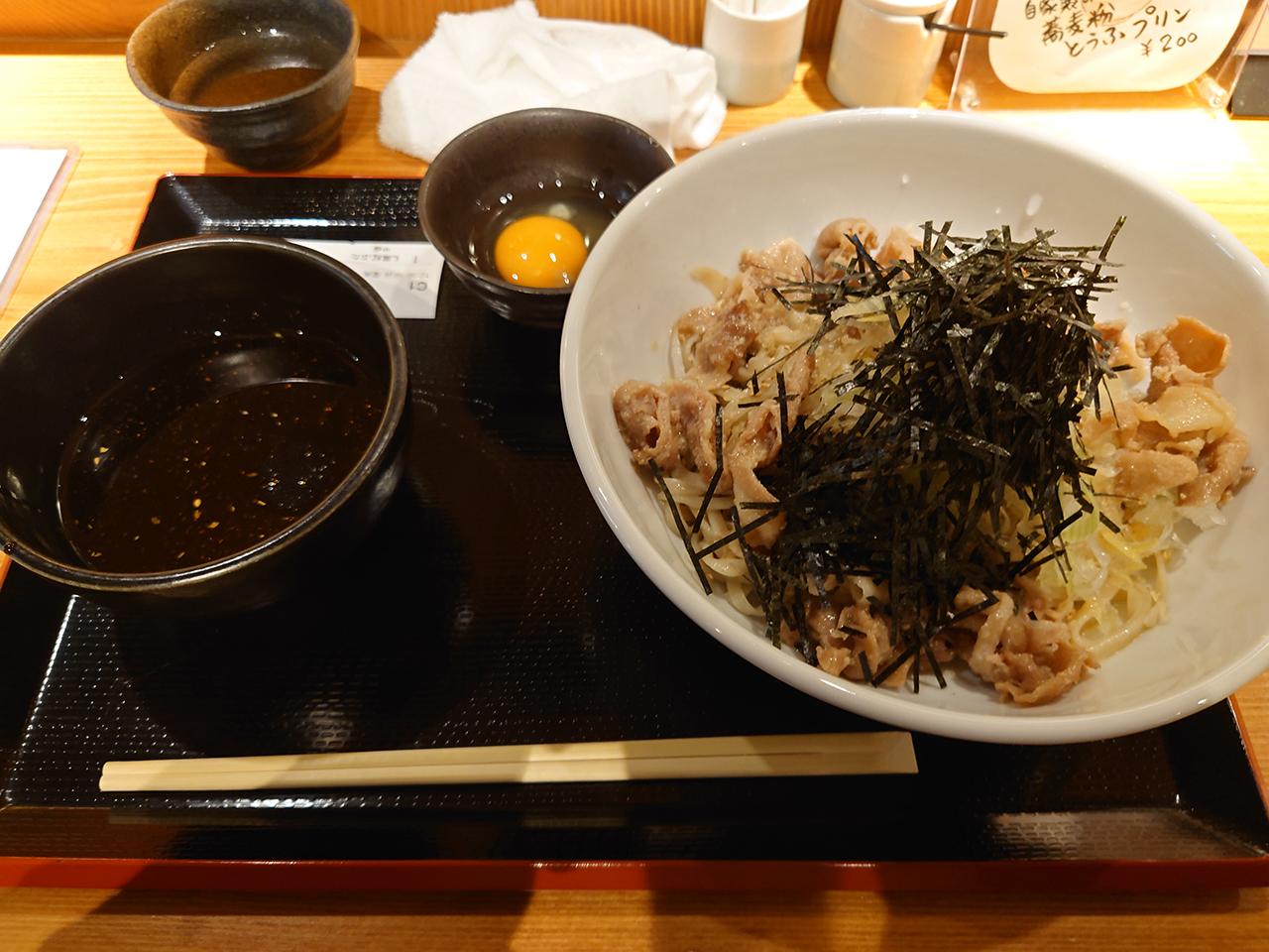 つけ麺スタイルの日本そば!松山市駅前にある「黑船」で「黑紅そば」を堪能してきた!