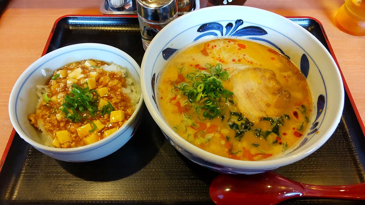 JR松山駅から徒歩圏内!伊予鉄高架下で超濃厚の胡麻ラーメン店「のっぴんらー麺」を発見したよ!
