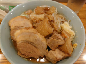 ニンニクマシで!! JR松山駅近くにオープンした二郎系の新店舗「番町製麺」へ行ってきた!