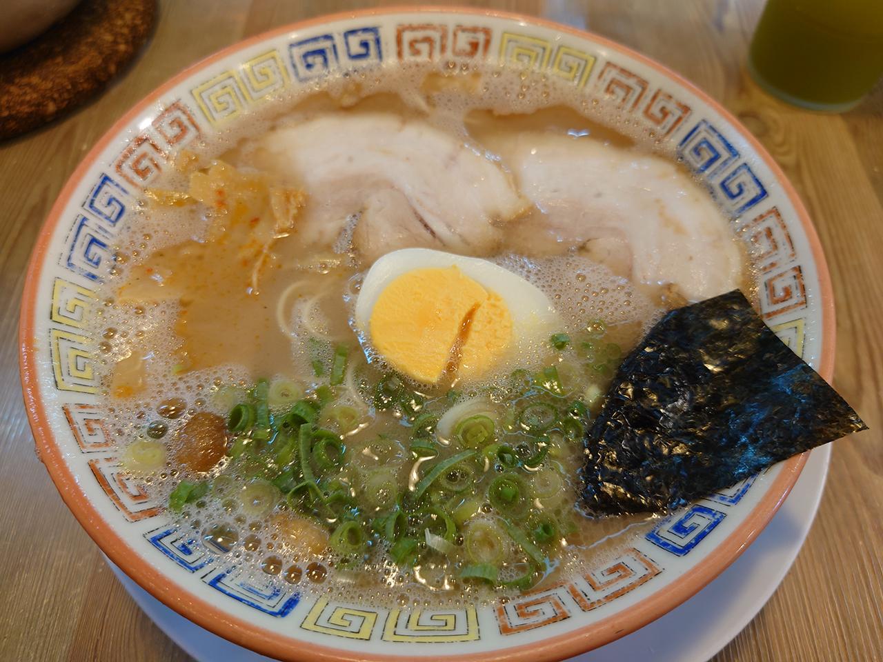 替え玉いっぱい夢いっぱい! 松山にある「久留米とんこつラーメン」でお腹いっぱい食べてきた!