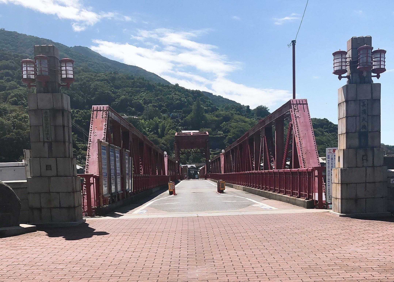 大洲市長浜町に来たならここを見るべし!現役最古の道路可動橋で重要文化財の「長浜大橋(赤橋)」へ行ってきました!